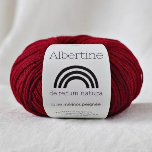 Albertine mit Seide