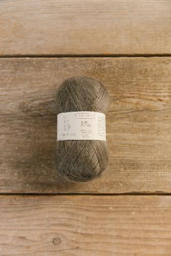 Biches et Buches Le Gros Silk et Mohair Yarn Grey brown