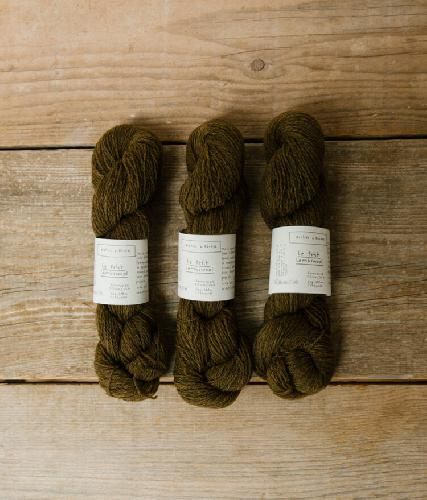 Biches et Buches Le Petit Lambswool Yarn Dark Gold