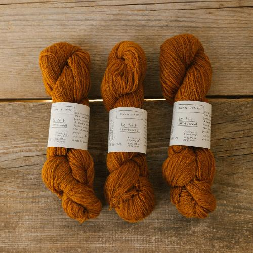 Biches et Buches Le Petit Lambswool Yarn Soft Orange Brown
