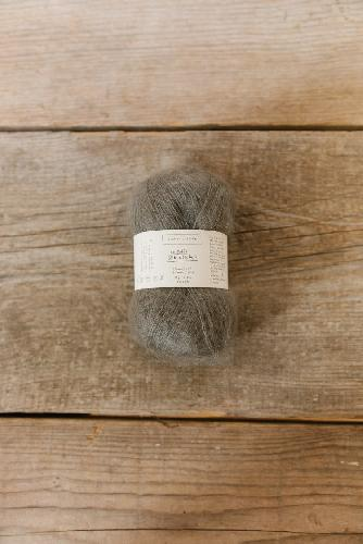 Biches et Buches Le Petit Silk et Mohair Yarn Grey brown
