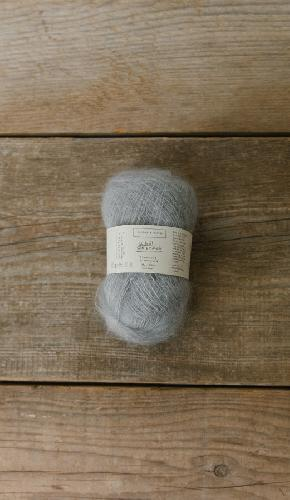 Biches et Buches Le Petit Silk Mohair Yarn Light Grey