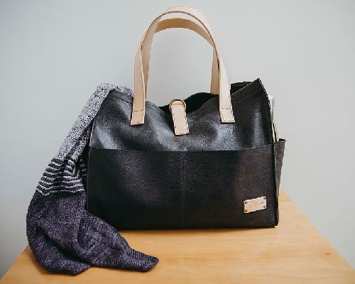 Joji & Co. Box Tote Bags Black