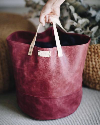 Joji & Co. XL Pampa Bucket Bags Cranberry