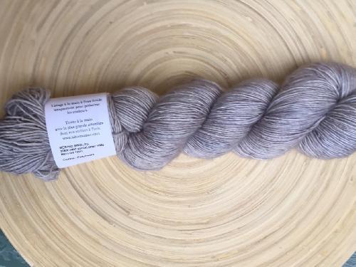 La Bien Aimee Merino Singles Yarn Parchment
