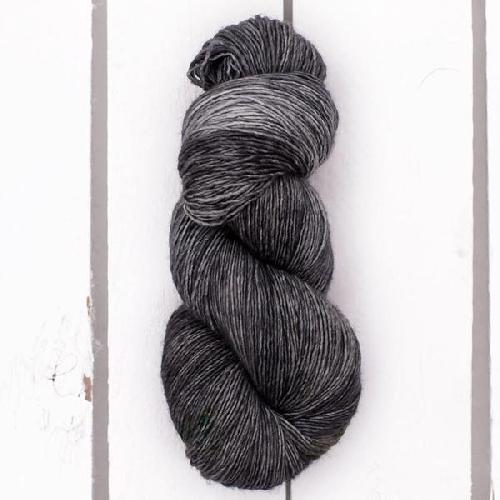 Madelinetosh Merino light Garn Black Sea