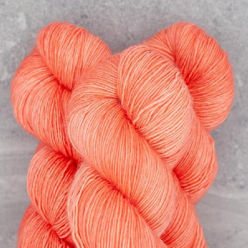 Madelinetosh Merino light Garn Grapefruit