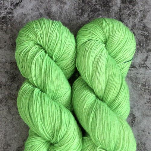 Madelinetosh Merino light Garn Neon Lime