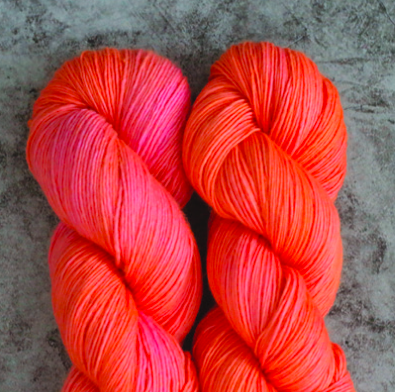 Madelinetosh Merino light Garn Neon Peach