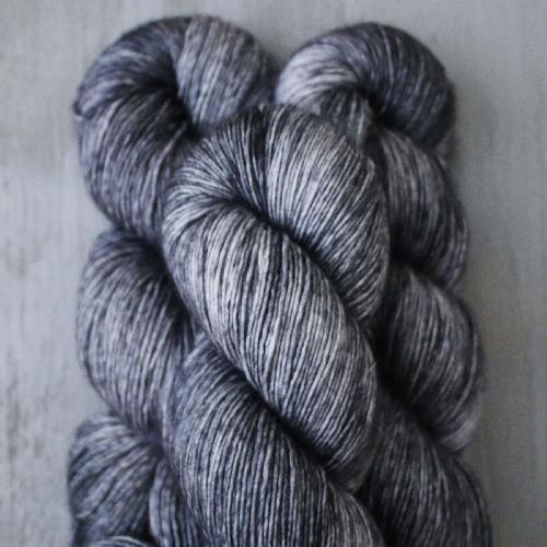 Madelinetosh Merino light Yarn Snaps