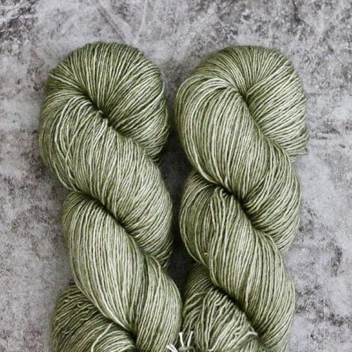 Madelinetosh Merino light Yarn Thyme
