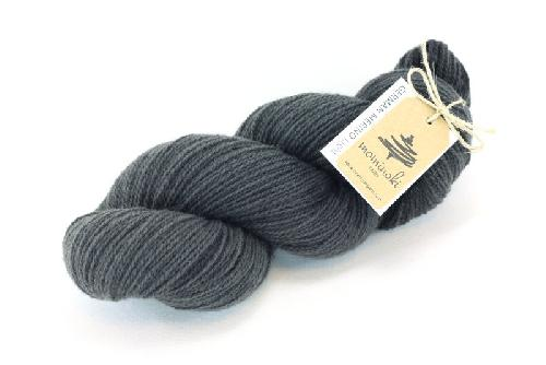 Mominoki German Merino light Garn Hickory