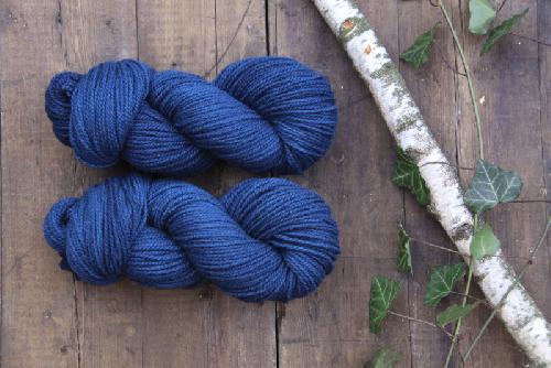 Mominoki German Merino plantdyed - pflanzengefärbt Yarn Indigo - Deep Blue