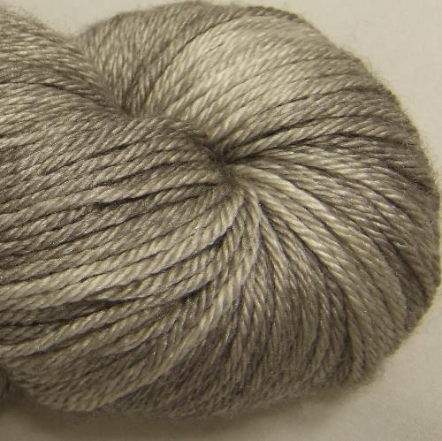 The Uncommon Thread Merino Silk Fingering Garn Smudge