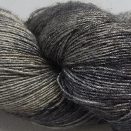 The Uncommon Thread Silky Merino Lace Garn Dark Toast