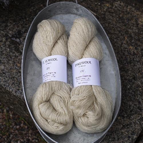 Tukuwool Hakamaa fingering Yarn Natural white